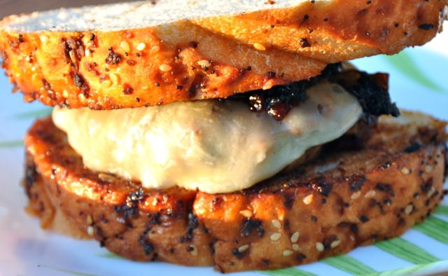 Hunk of Meat Monday: French Onion Soup Burgers