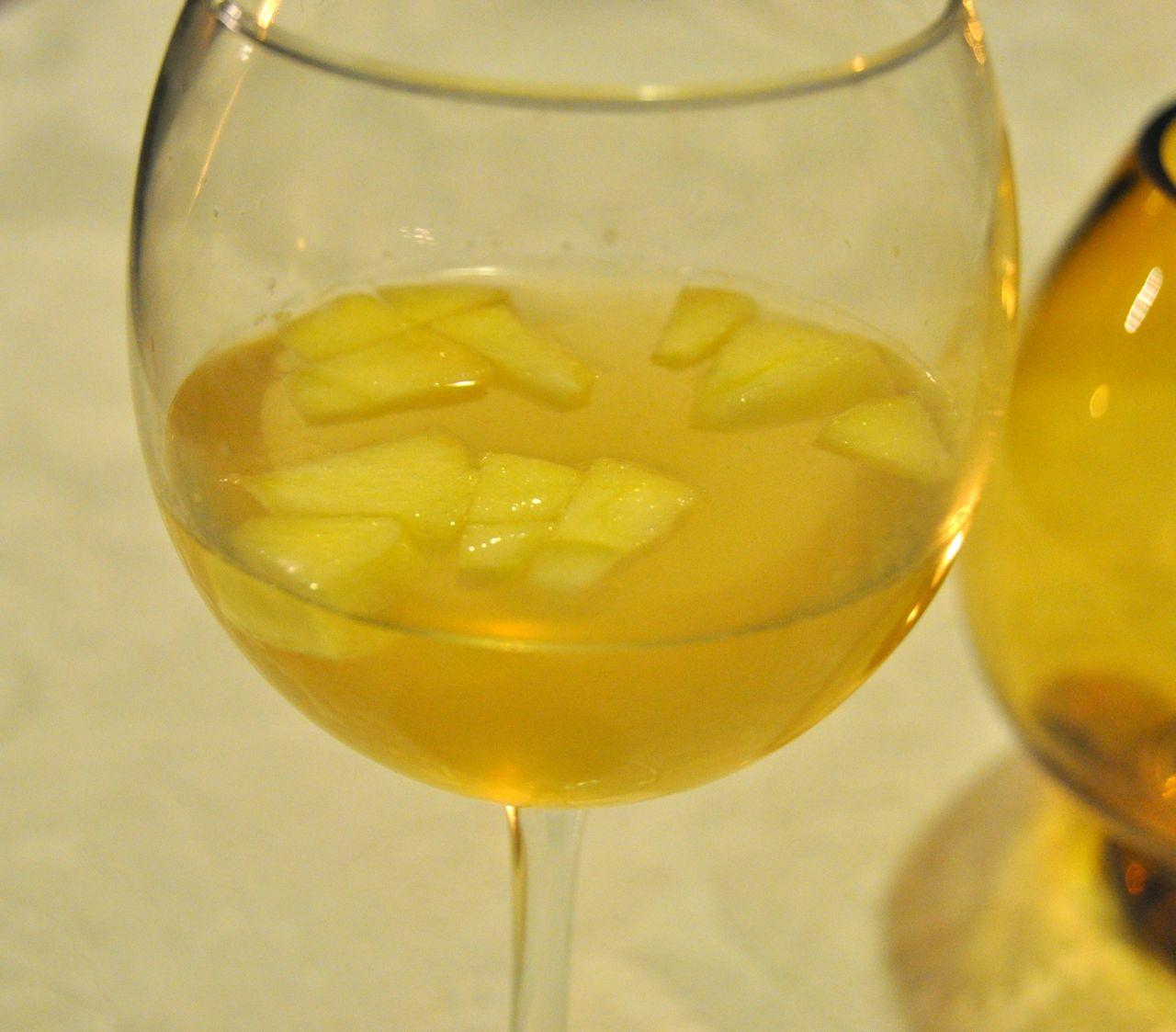 Honey Crisp Apple Sangria with Food and Wine Pairing
