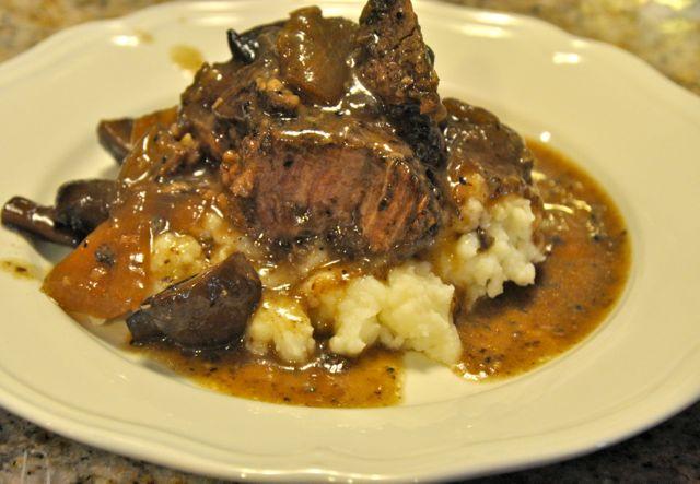 Red Wine Crock Pot Beef Roast With Mushrooms And Onions Beyer Beware